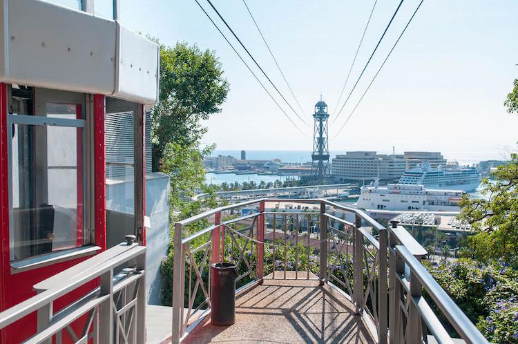 Maak een rit met de kabelbaan haven van Barcelona